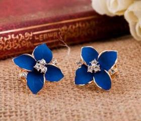 [grlhx130018]Unique Cute Four Leaves Rhinestone Earrings