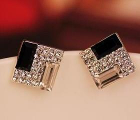 [grd03065]Fashion White and Black Rhinestone Earrings